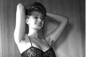 Sophia with hairy Armpits